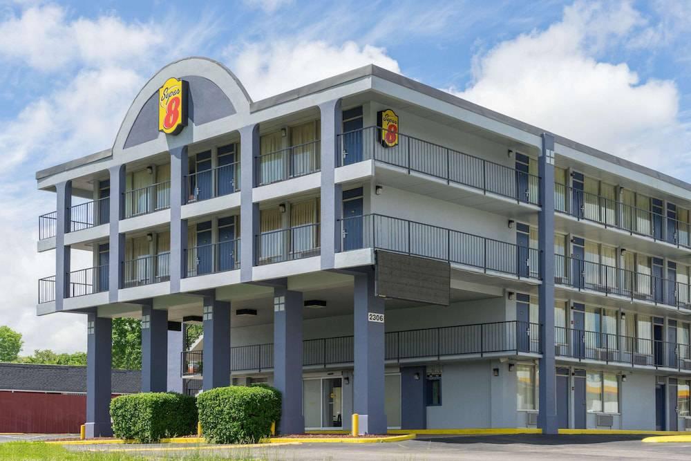 Howard Johnson Downtown/Opryland Area